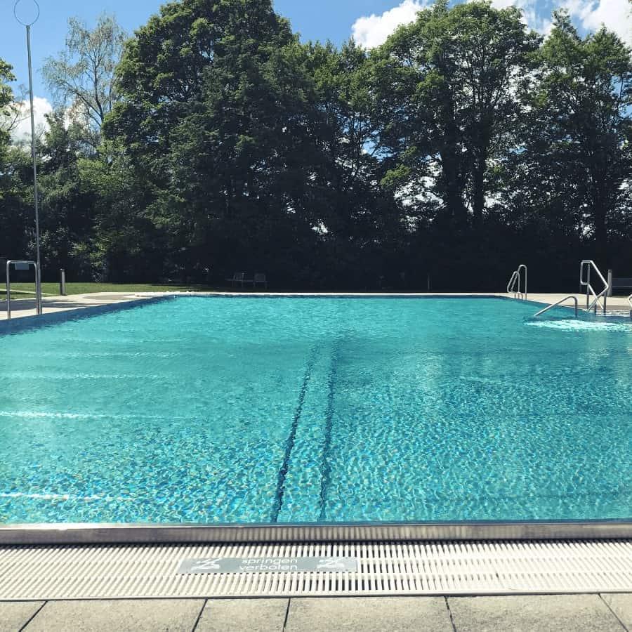 Schwimmbad DA118