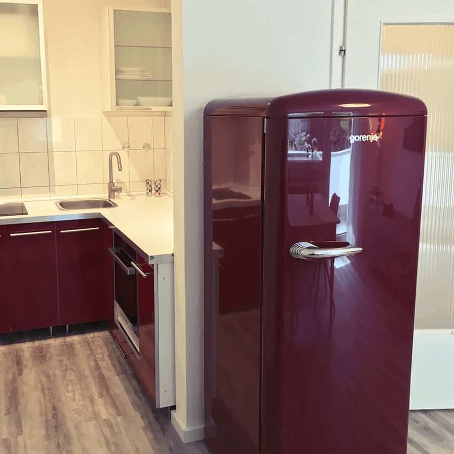 Küchenbereich mit Kühlschrank