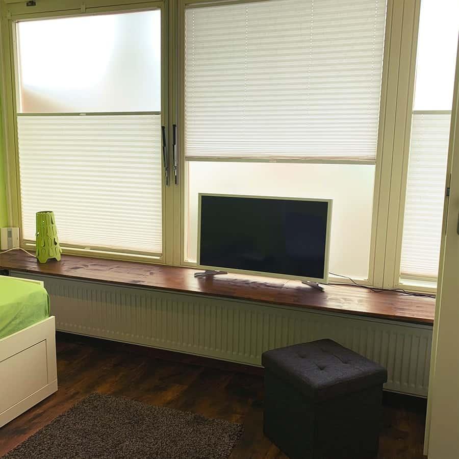 Schlaf/Wohnbereich mit TV