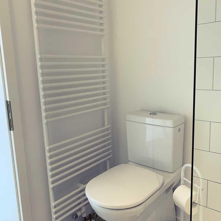 Bad mit Handtuchhalter Heizung