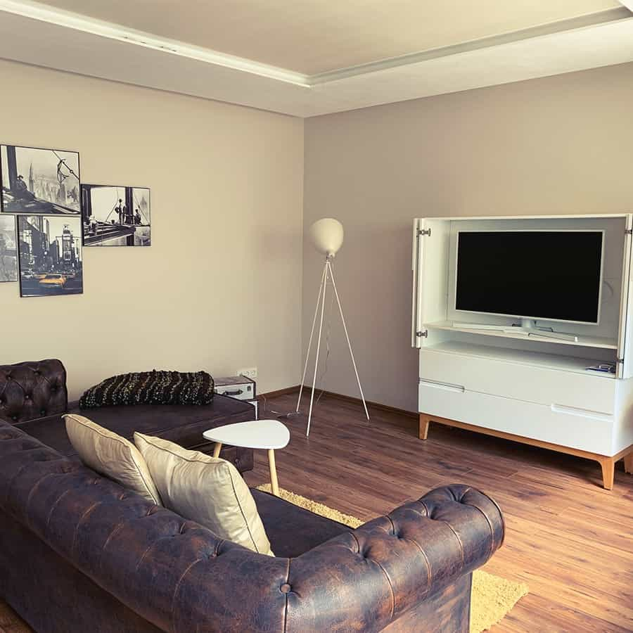 Couch mit TV-Schrank
